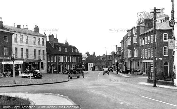 Photo of Woburn, High Street 1952