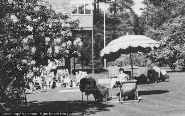 Photo of Woburn Sands, A Sunny Day In The Garden, Daneswood Convalescent Home c.1970
