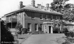 Woburn Sands, Daneswood Convalescent Home c.1970