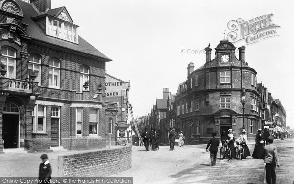 Photo of Woking, Albion Hotel And The Old Bank 1901