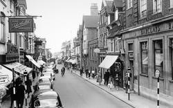 Woking, Chertsey Road c.1960