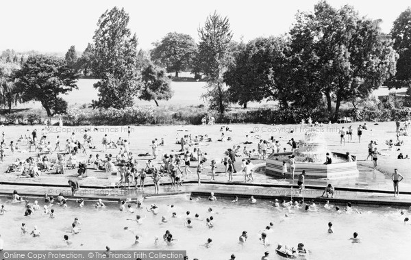 Photo of Woking, Swimming Pool c1965