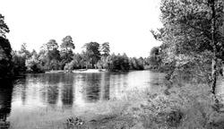 Wokingham, Kingsmere Lake c.1965