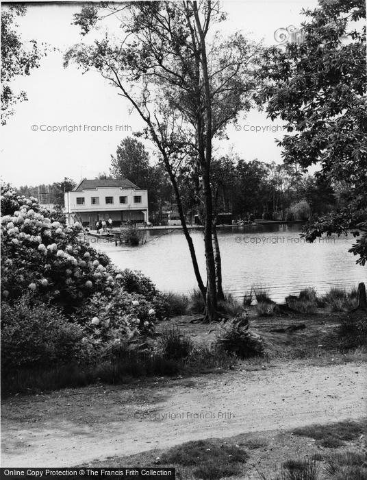 Photo of Wokingham, Lakeside Holidays, California c.1960