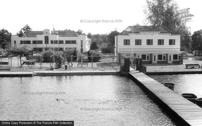 Photo of Wokingham, Lakeside Holidays, California c.1965
