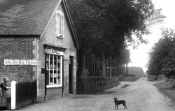Nine Mile Ride Post Office 1909, Wokingham