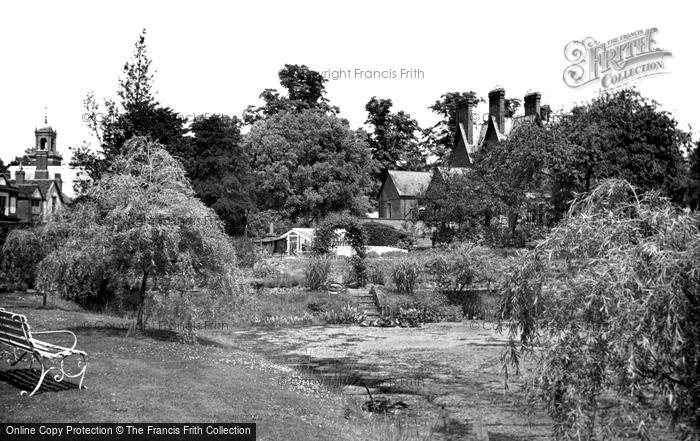 Photo of Wokingham, Public Rest Garden c.1950