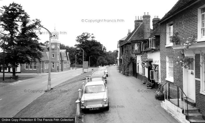 Photo of Wokingham, Reading Road c.1965