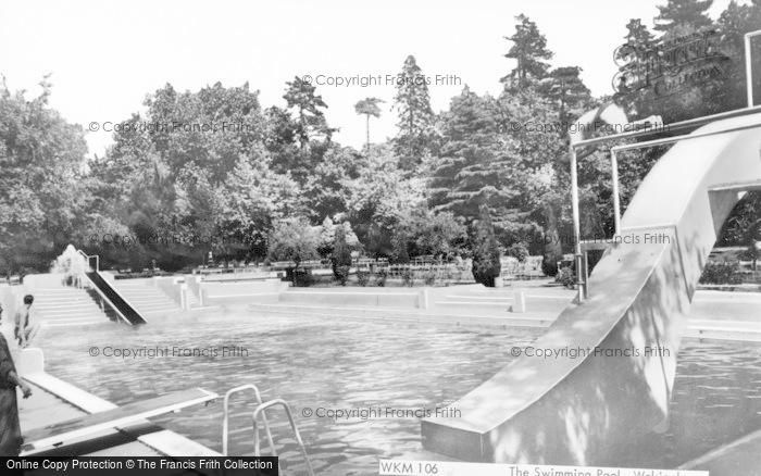 Photo of Wokingham, Swimming Pool c.1965