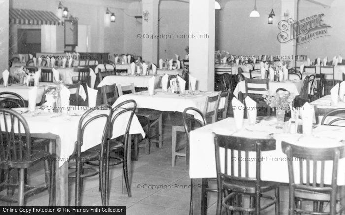 Photo of Wokingham, The Dining Room, Lakeside Holidays, California c.1960