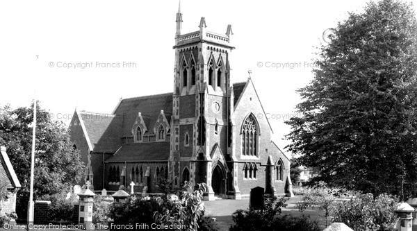 Wollaston, St James' Church c1960
