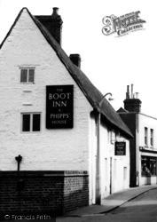 Wollaston, The Boot Inn, High Street c.1955