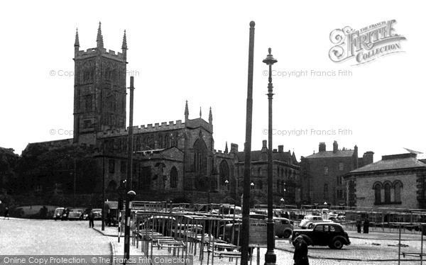 Wolverhampton, Market Place and St Peter's Church c1955