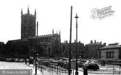 Wolverhampton, Market Place And St Peter's Church c.1955