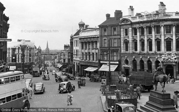 Wolverhampton, Queen Square c1955