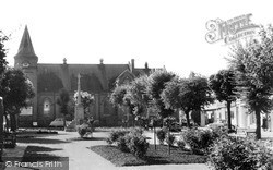 Wolverton, Market Square And Congregational Church c.1960