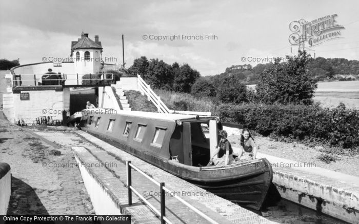 Photo of Wombourne, Bratch Locks c.1965