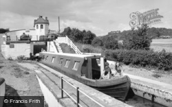Wombourne, Bratch Locks c1965