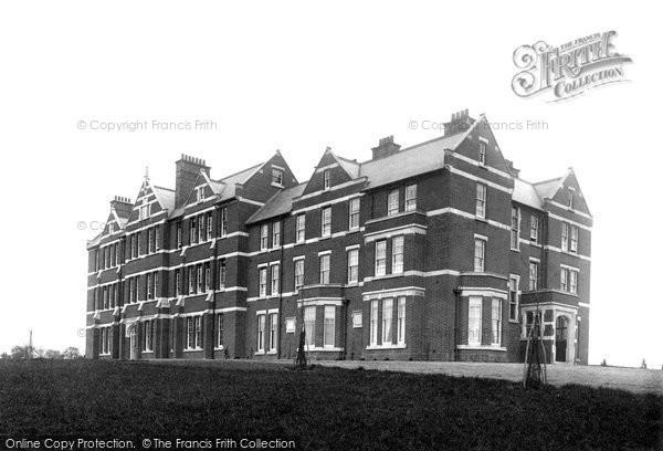 Photo of Woodbridge, School House 1896
