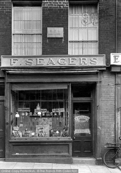 Photo of Woodbridge, Seagers 1929