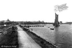 The Promenade 1906, Woodbridge