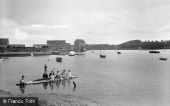 Woodbridge, the Quayside and the Tide Mill 1925