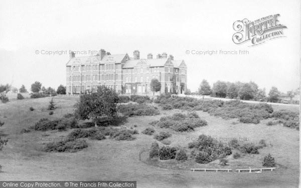 Photo of Woodbridge, The School House 1908