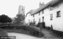 Woodbury, St Swithun's Church c.1960