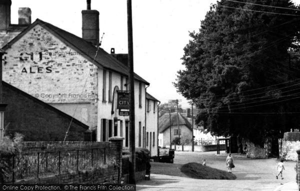 Photo of Woodbury, The Village Inn c.1955