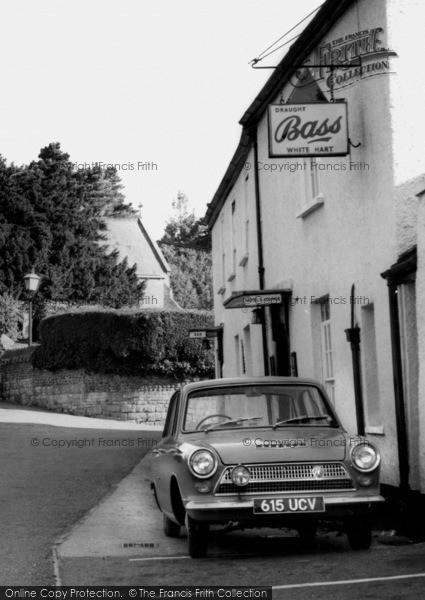 Photo of Woodbury, The White Hart c.1960
