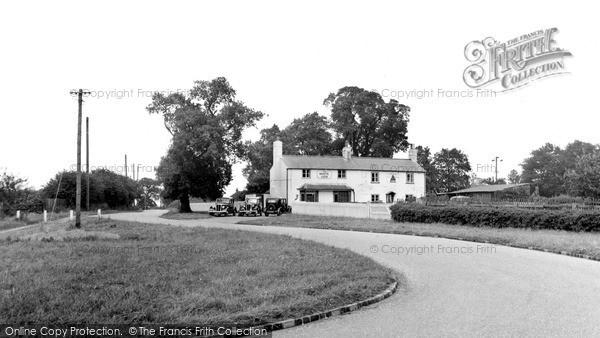 Photo of Woodcote, The White Lion, Crays Pond c.1950