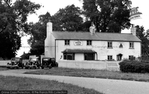 Photo of Woodcote, The White Lion, Crays Pond c.1950