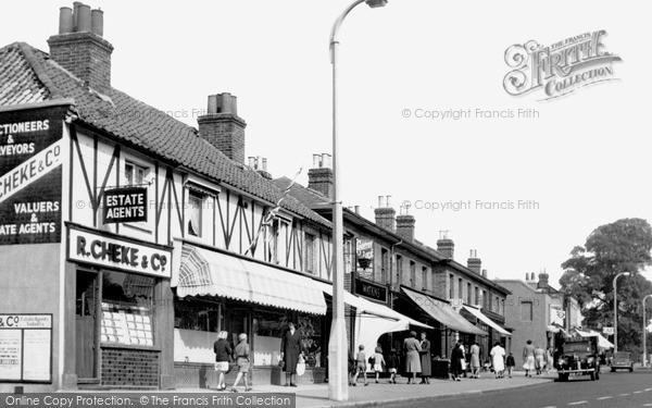 Photo of Woodford Bridge, High Road c1950
