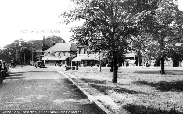 Photo of Woodford Bridge, High Road c.1960