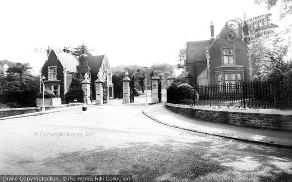 Photo of Woodford Bridge, The Entrance Claybury Hospital c.1960