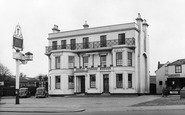 Woodford Green, Castle Hotel c1955
