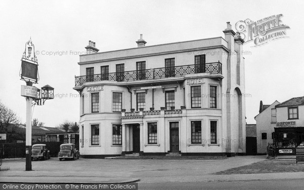 Photo of Woodford Green, Castle Hotel c1955