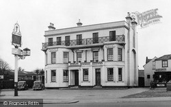 Woodford Green, Castle Hotel c.1955