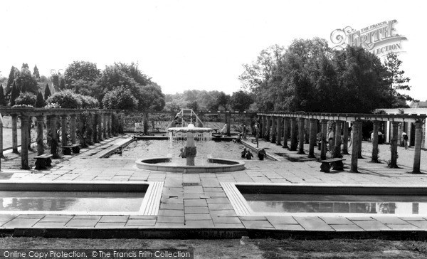 Woodhall Spa, Jubilee Park Swimming Pool c1965
