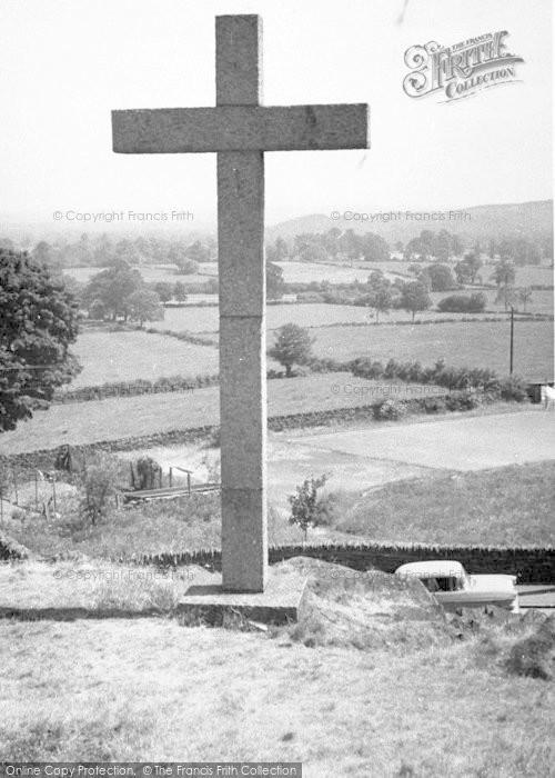 Photo of Woodhouse Eaves, Memorial Cross c.1960