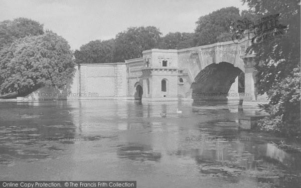 Photo of Woodstock, Blenheim Palace, Lake And Bridge c.1955
