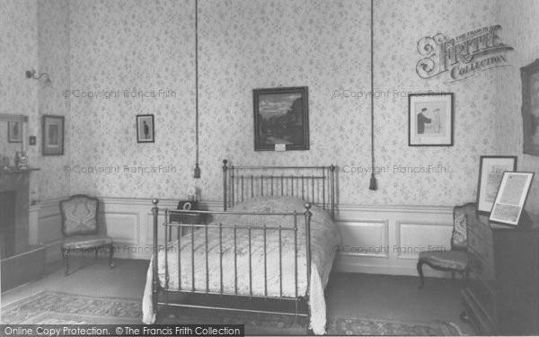 Photo of Woodstock, Sir Winston Churchill's Birthroom, Blenheim Palace c.1960