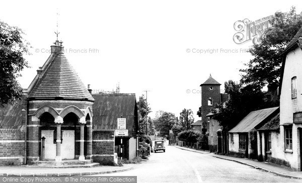 Photo of Woolhampton, Station Road c.1960