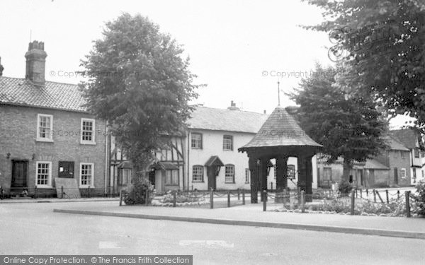 Photo of Woolpit, The Pump Gardens c.1955