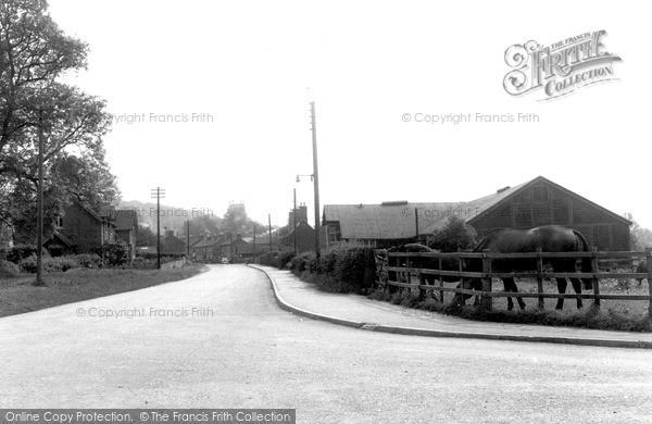 Photo of Woolsthorpe, Cross Road By Belvoir c.1955