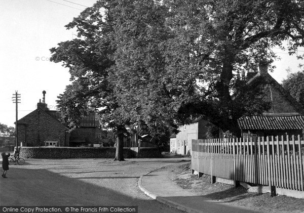 Photo of Woolsthorpe, The Village c.1955