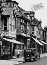 Cafe Metz, Victoria Road c.1955, Woolston