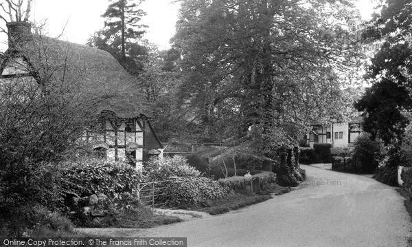 Photo of Woolstone, Village c.1960