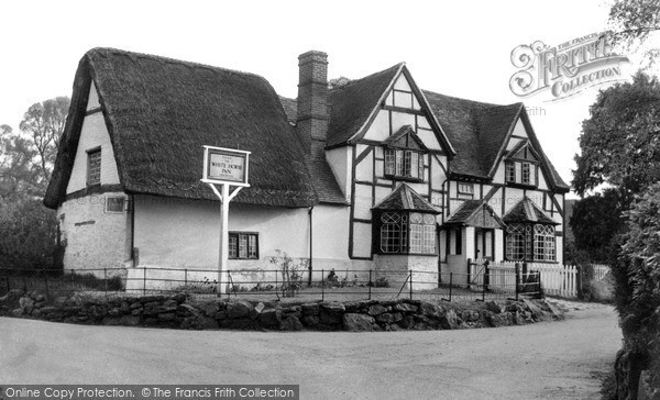Photo of Woolstone, White Horse Inn c.1960