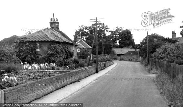 Photo of Woolverstone, The Village c.1955